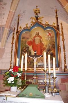 Altar in Untereschenbach mit auferstandenem Christus